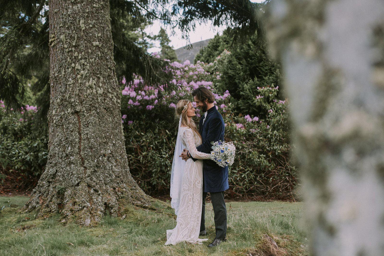 13-whimsical-boho-woodland-wedding-photography