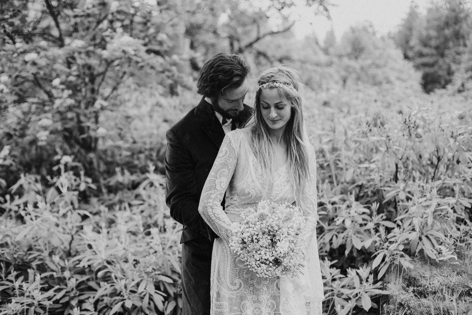 14-whimsical-boho-woodland-wedding-photography