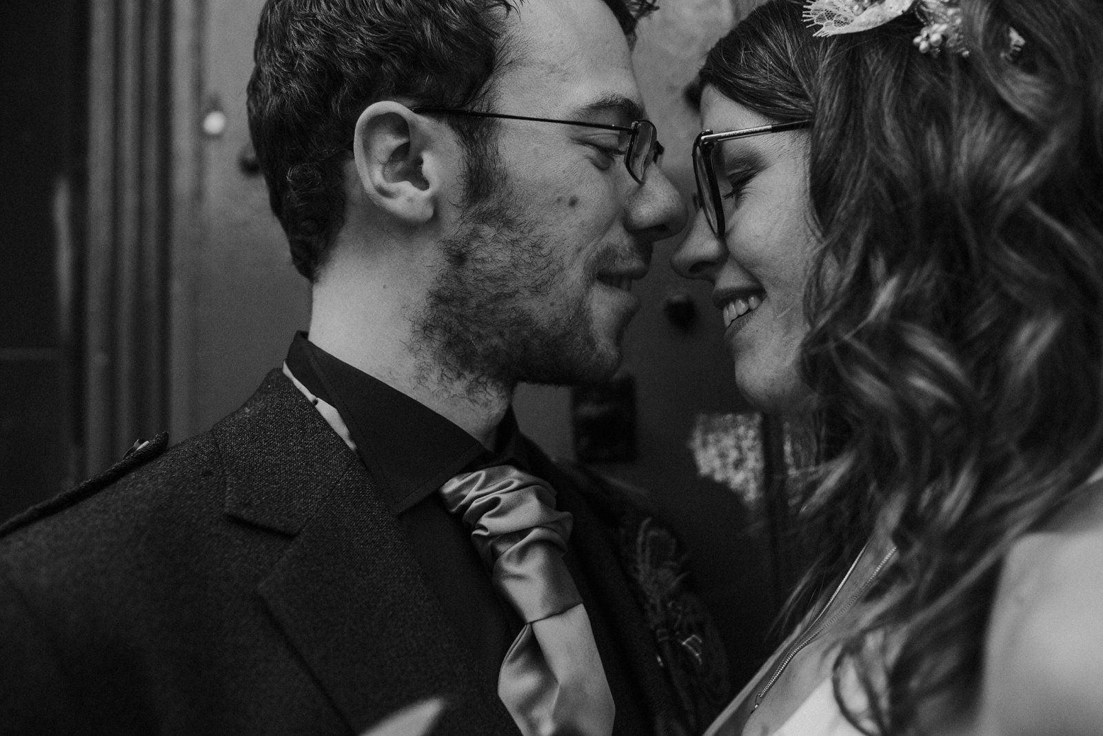 romantic edinburgh wedding photography