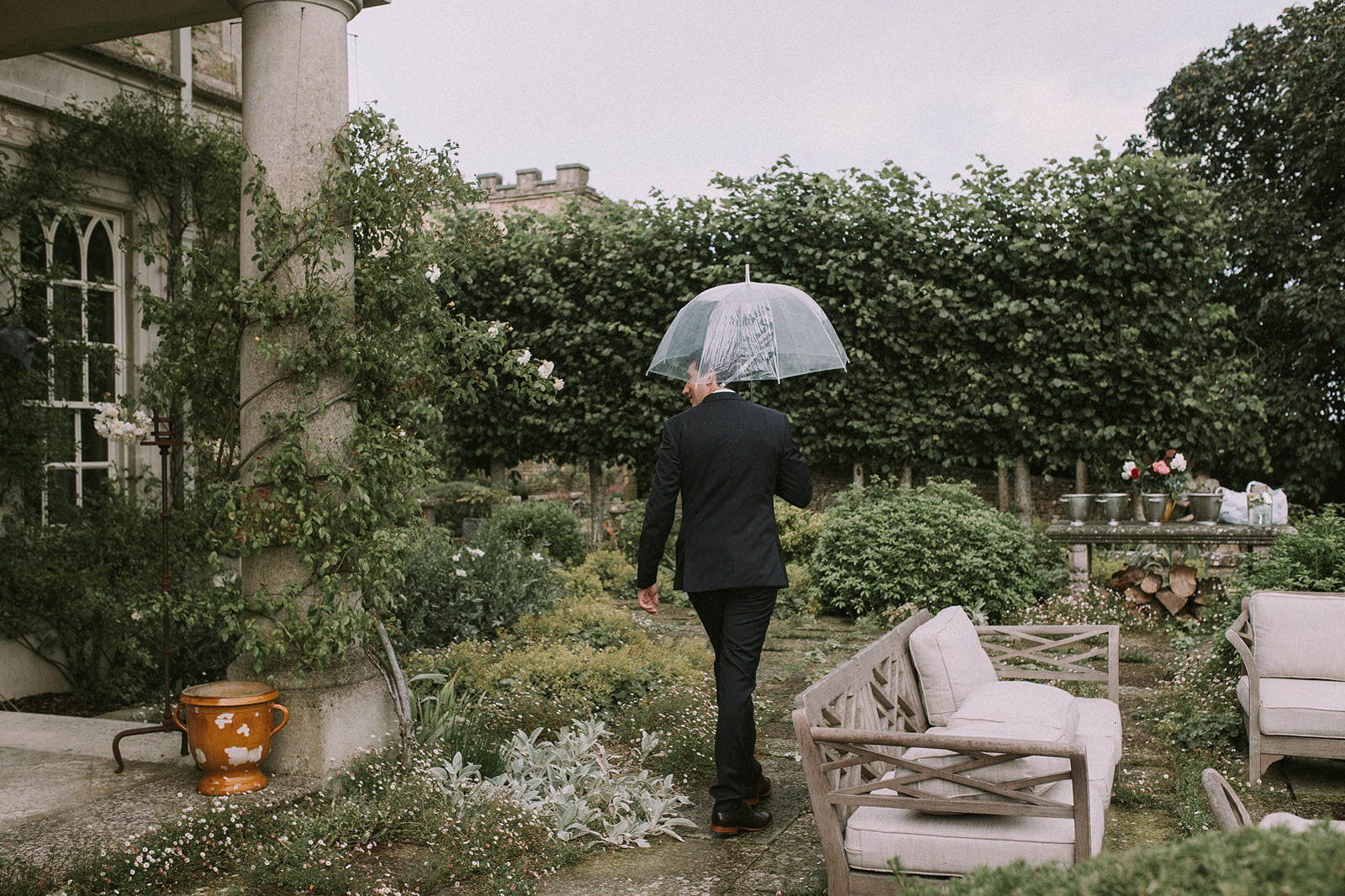 the lost orangery cotswolds wedding photos