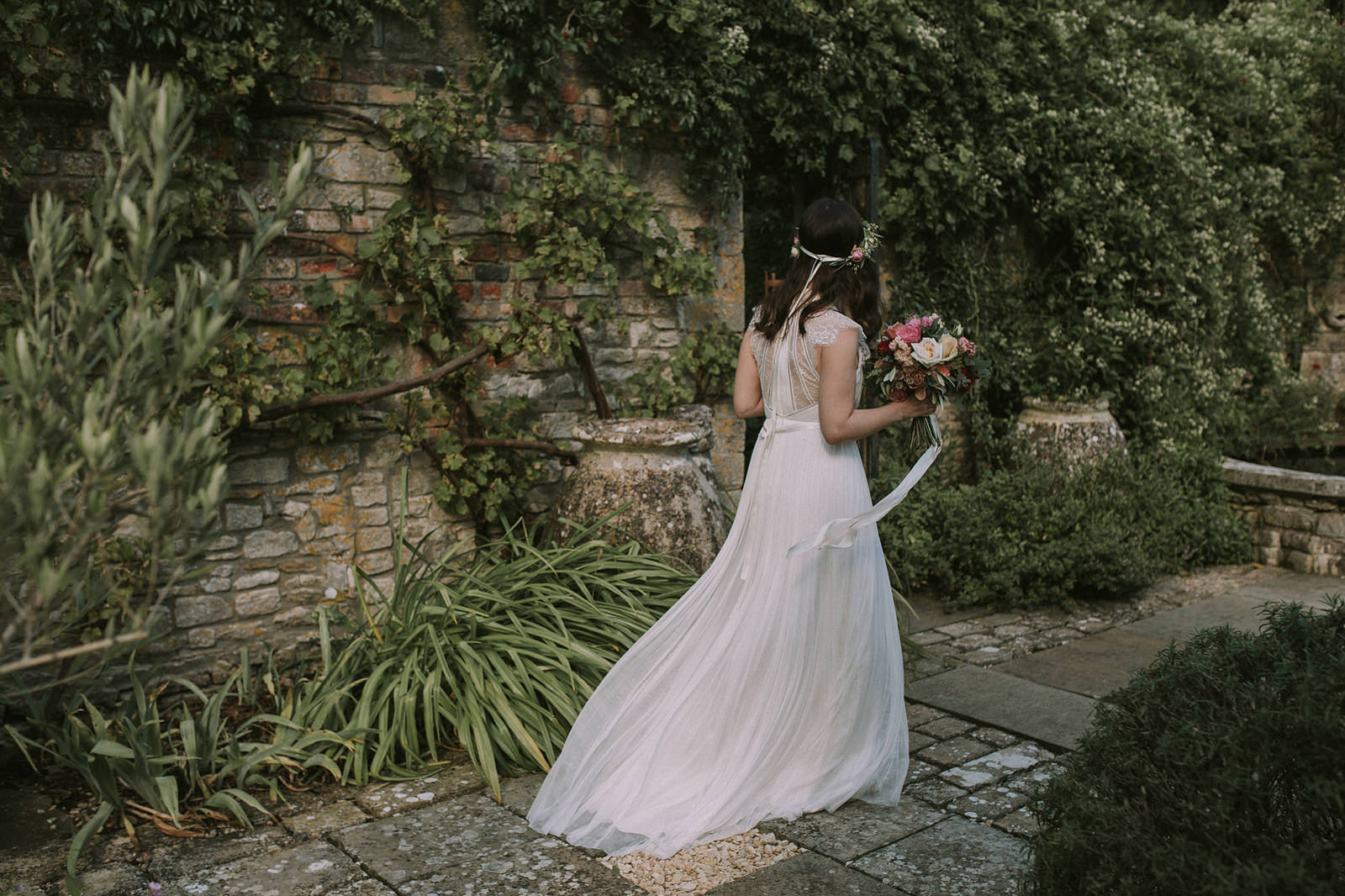 boho bride cotswolds wedding