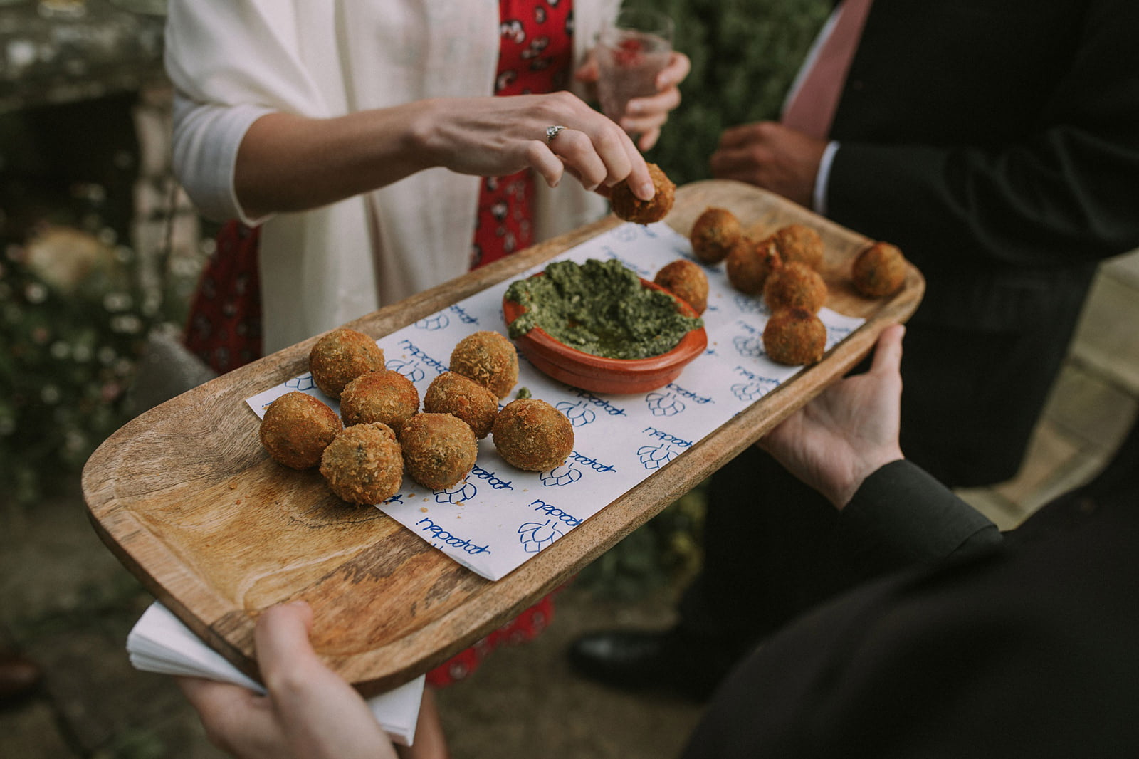 wiltshire cotswolds wedding photographer