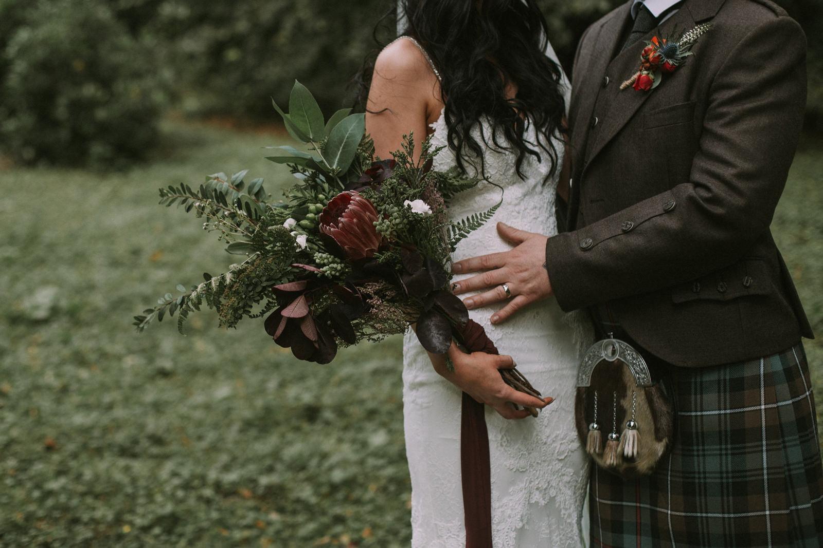 rustic wild wedding flowers