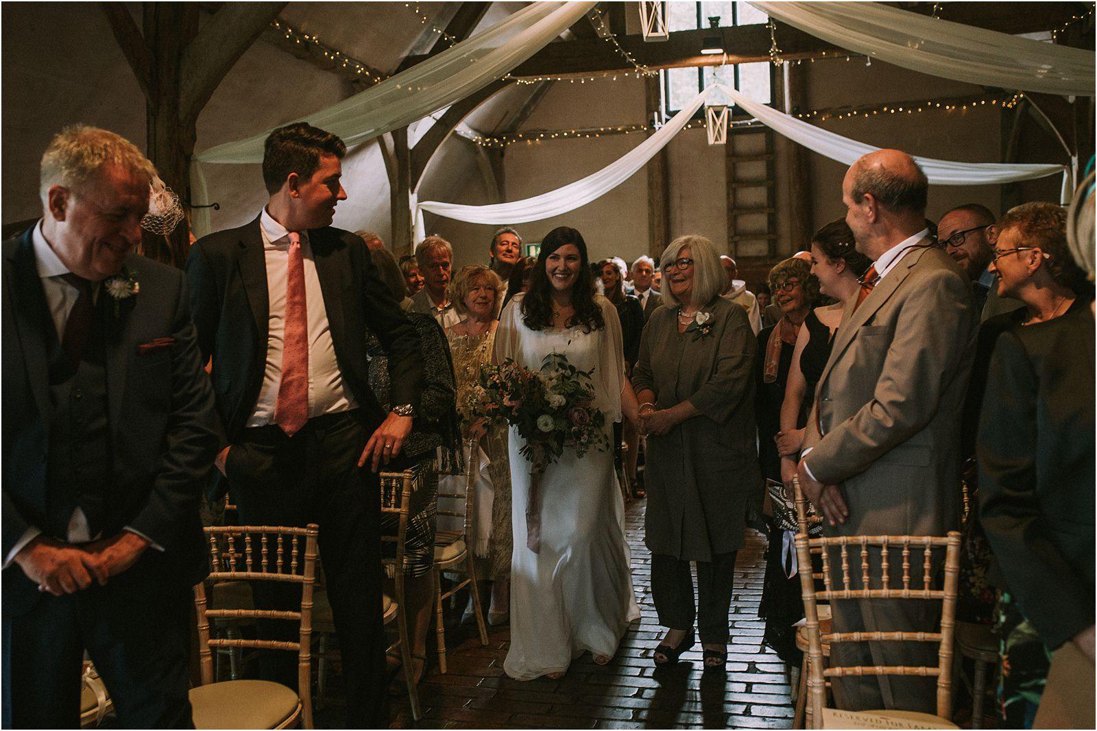lains-barn-oxfordshire-wedding-photographer-26